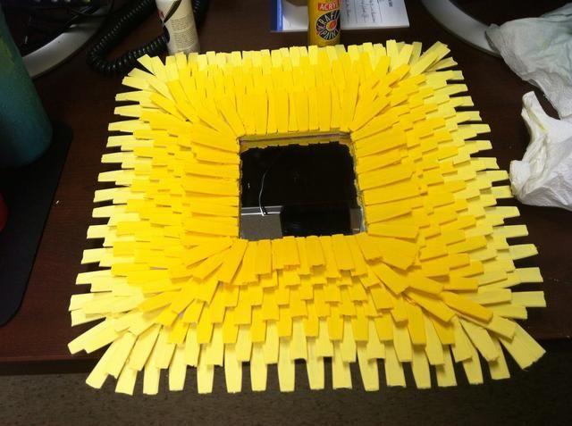 Rociar con un sellador de brillo antes de retirar la cinta desde el espejo.