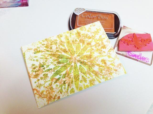 para aún más textura, añadir una capa estampada utilizando sellos de Viva Las Vegas' Pound O' Rubber stamps and ColorBox Harvest Chalk Ink. temporarily adhere rubber stamps to block with double sided tape.