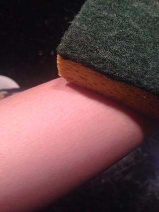 Té ligeramente suave sobre la piel.
