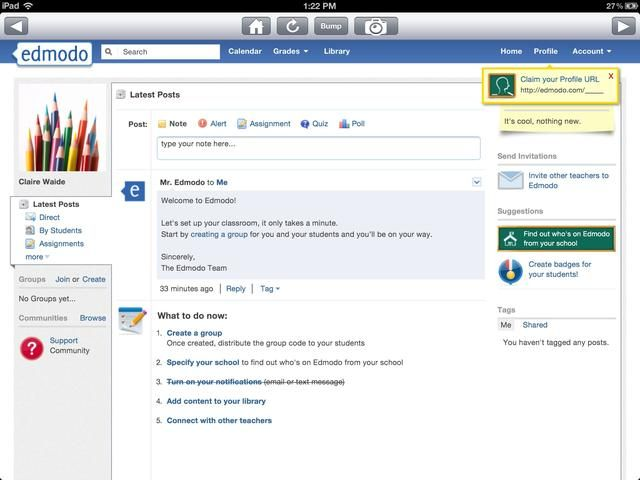 Conocé Facebook para la escuela. (no estoy seguro acerca de la escuela's policy on this one yet)... Edmodo is a free app. It looks just like fb and is used in exactly the same way, except it is based around class groups.