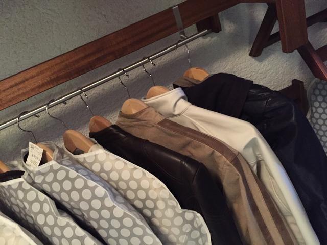 Siempre que tenga demasiados huéspedes, incluso se puede utilizar como un segundo armario para sus chaquetas.