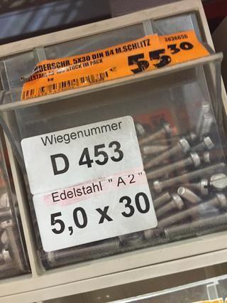 Es necesario sustituir los tornillos proporcionados por IKEA con los más cortos (DIN 84 5x30 / 30 mm de largo)