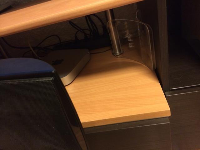 Coloque los dispositivos que se enfrenta el servilletero.