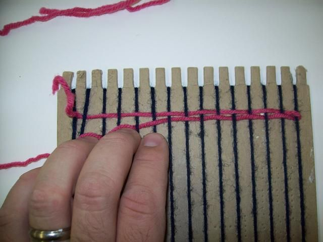 Si no't bat the weft, your weaving will be loose. Always remember that craftsmanship is paramount!