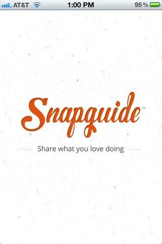 Abre la aplicación. Nótese la textura de papel hecho a mano de los antecedentes, y el logotipo naranja ágil como las cargas de aplicaciones. Es elegante, llamativo. Hasta ahora, todo bien. Regístrate con el correo electrónico, Twitter o Facebook.