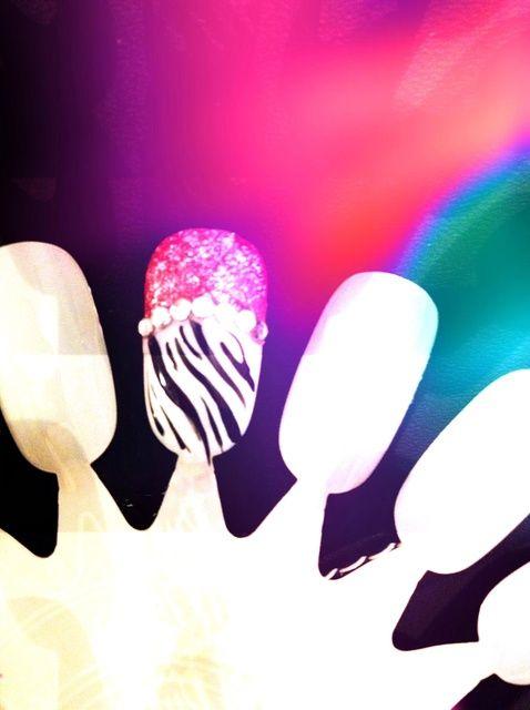 Fotografía - Cómo Nails cebra con Tip Rosa