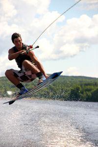 wakeboard en el aire