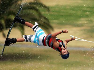 volteando wakeboarder paralelo