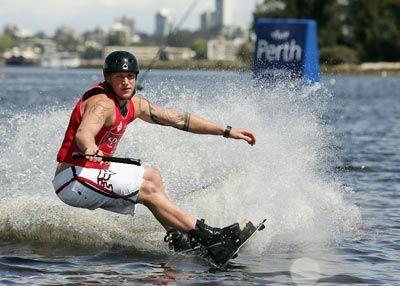 wakeboarder blanca pantalones cortos