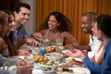 Fotografía - Si 13 personas comen en la misma mesa, habrá un dado antes de que termine el año?