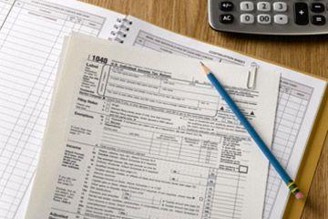 Formulario de impuestos federal.