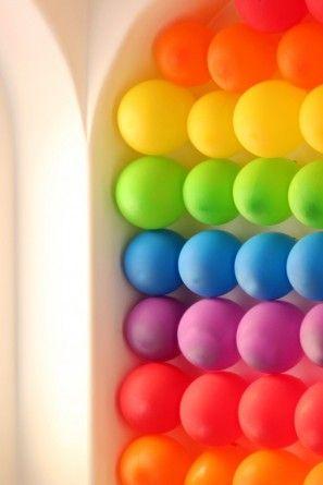 Rainbow Balloon Pared