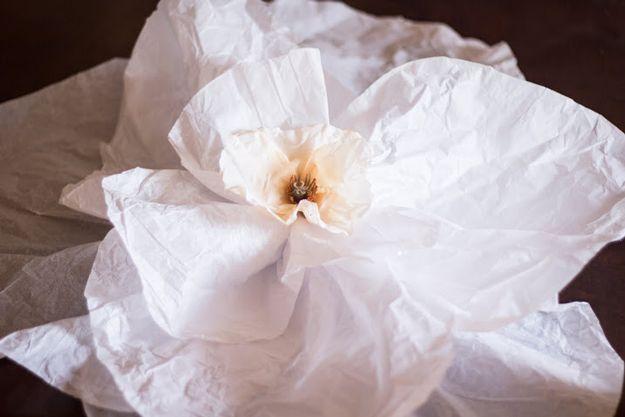 flores de papel de seda, flores de papel, cómo hacer flores de papel, cómo hacer flores de papel de seda, cómo hacer una flor de papel, papel de flores DIY, flores de papel diy, flores de papel, cómo hacer una flor de papel, cómo hacer flores fuera de papel de seda, cómo hacer una flor de papel de seda, tutorial flor de papel