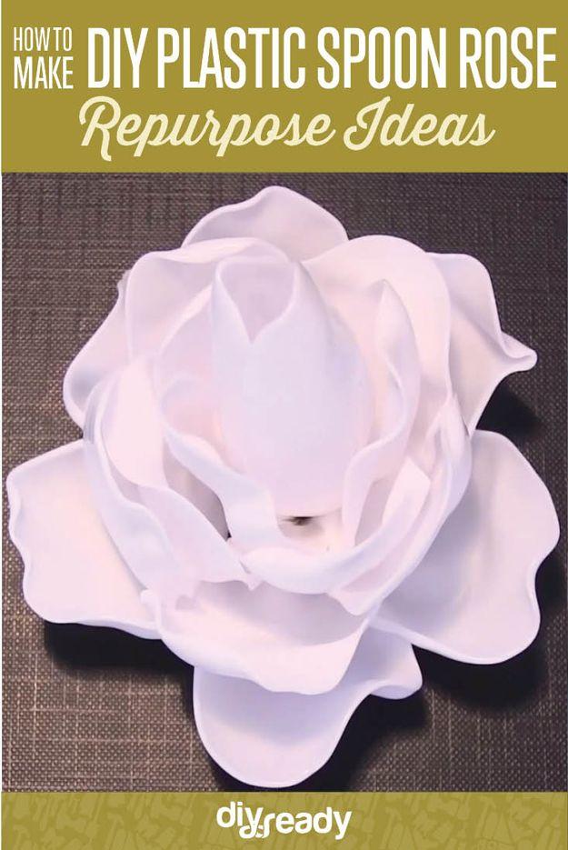 Echa un vistazo a Hacer bricolaje Rosas de cucharas   Ideas Upcycling en http://artesaniasdebricolaje.ru/diy-roses-out-of-spoons-upcycling-ideas/