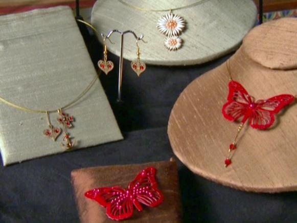 Fotografía - Collares de mariposa de alta costura de papel