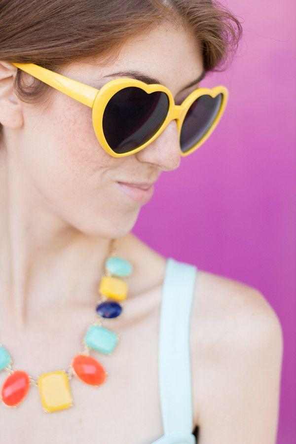 Gafas de sol amarillas del corazón