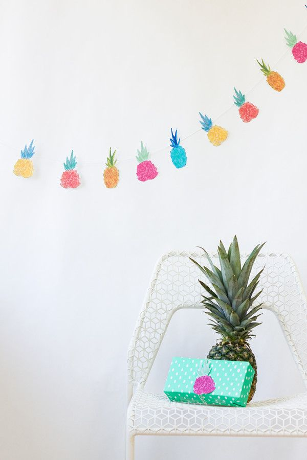 DIY Piña Garland