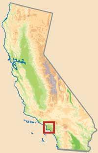 Fotografía - Camino pintoresco en California: arroyo avenida histórica seco