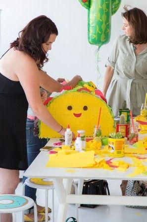 Feliz Taco Piñata