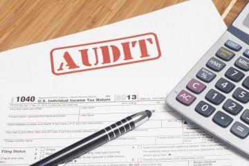 Fotografía - Aviso Impuesto vs. auditoría del IRS