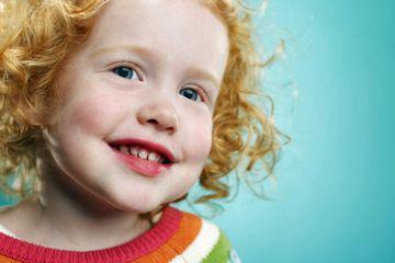 Fotografía - Enseñe a sus hijos cómo ciertos alimentos y bebidas afectan su sonrisa