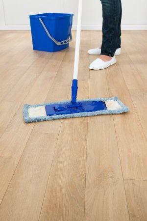 Cómo Fregona un Piso - Pisos Mopping Madera