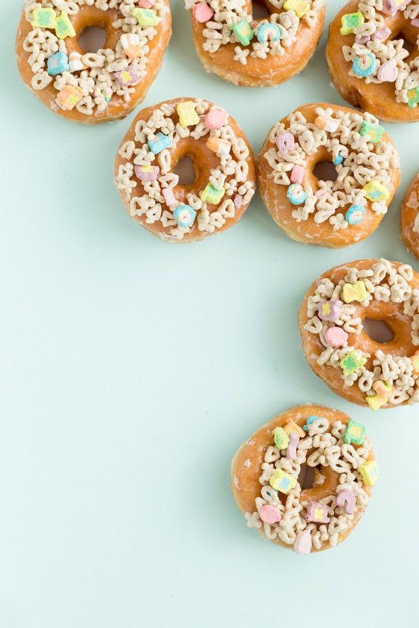 Fotografía - Tres maneras Charmin 'de decorar Donuts para el Día de San Patricio