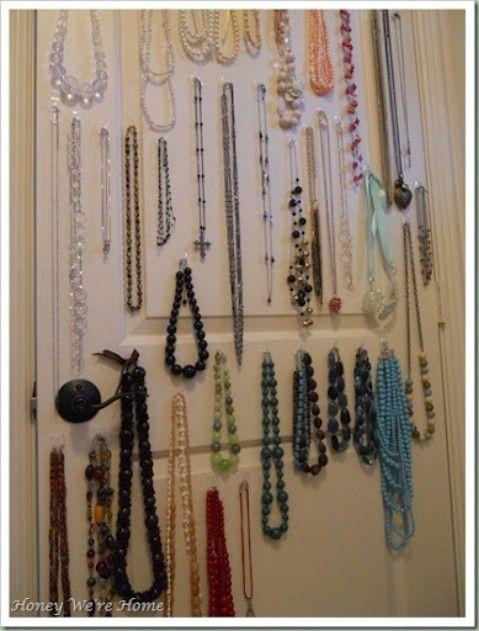 Mantenga su joyería en un armario Utilización de Command Ganchos - Top 58 ideas más creativas Home-Organización y Proyectos de bricolaje