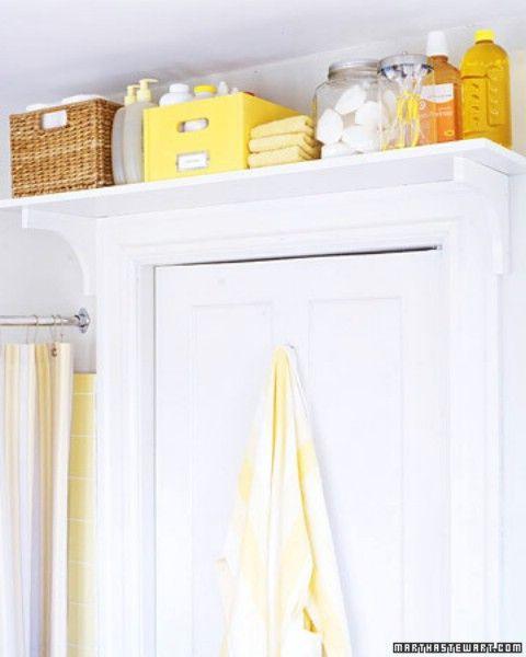 Utilice un estante sobre Baño Puerta de las cosas rara vez se utiliza - Top 58 ideas más creativas Home-Organización y Proyectos de bricolaje