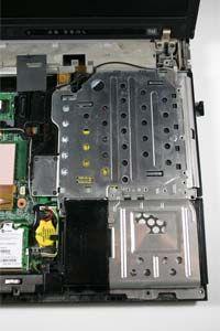 Un disco duro portátil y unidad de DVD