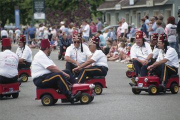 Fotografía - ¿Por qué los shriners coche esos pequeños coches?