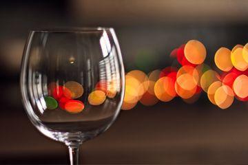 Fotografía - ¿Por qué es mala suerte para brindar con un vaso vacío?