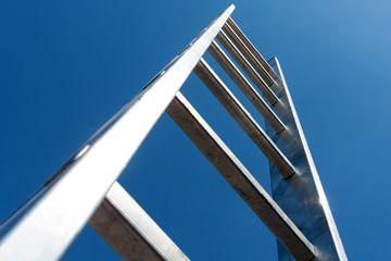 Fotografía - ¿Por qué es caminar debajo de una escalera supone que es de mala suerte?