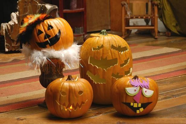 Calabazas talladas y decoradas para Halloween